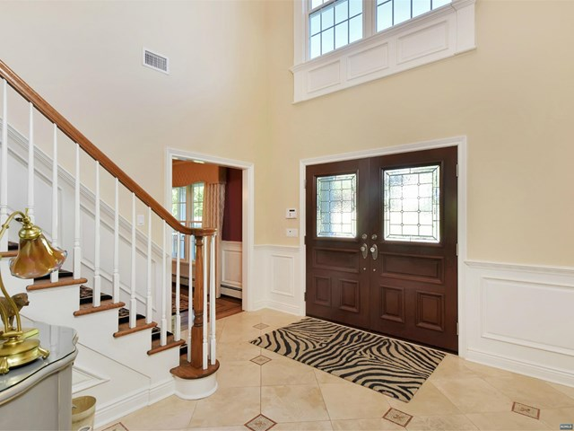 557 Faletti Way, Rivervale, NJ 07675