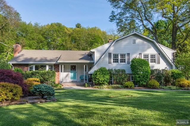 341 Pulis Ave, Franklin Lakes, NJ 07417