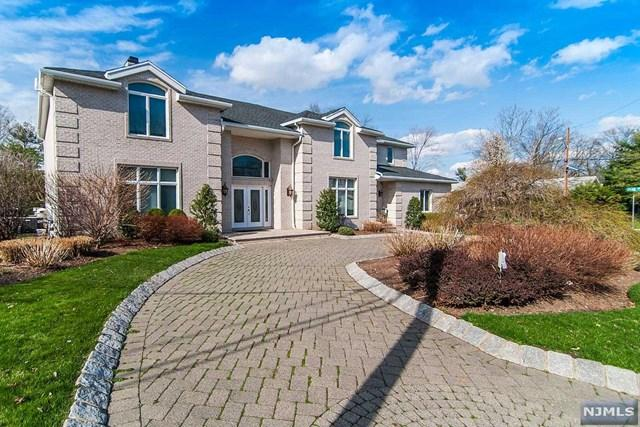 32 Laurie Dr, Englewood Cliffs, NJ 07632