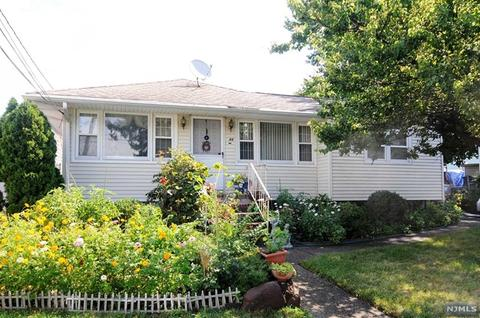 44 Young Ave, Totowa, NJ 07512