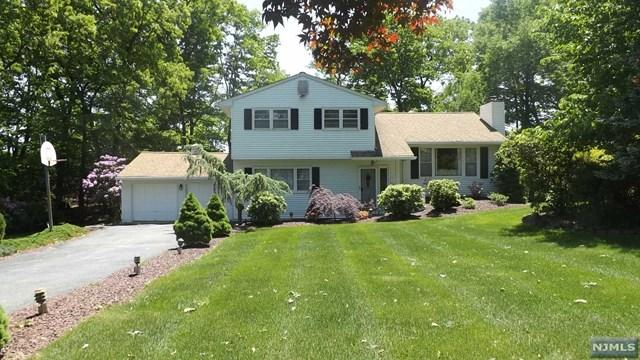 23 Lakeview Dr, Kinnelon, NJ 07405