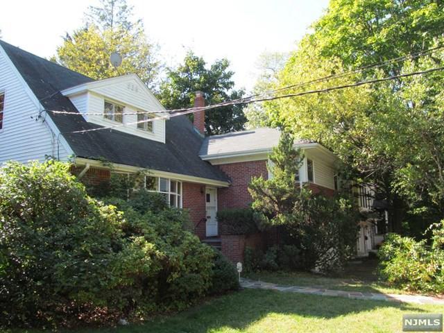 538 Rutland Ave, Teaneck, NJ 07666