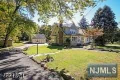 30 Grandview Ave, Caldwell, NJ 07006