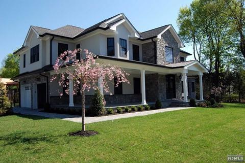 290 Glen Rd, Woodcliff Lake, NJ 07677 MLS# 1918491 - Movoto com