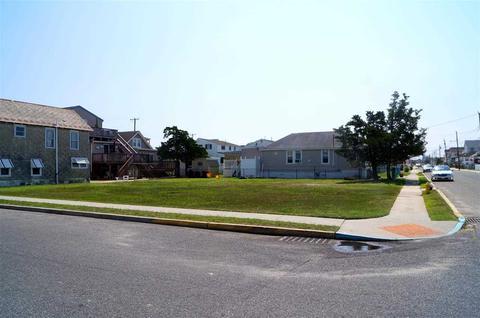 655 W Maple Ave, West Wildwood, NJ 08260