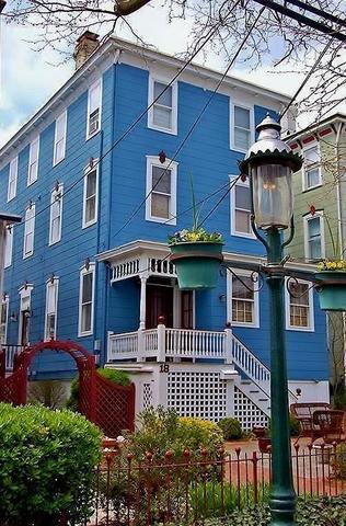 18 Jackson St #QUARTERS1, Cape May, NJ 08204
