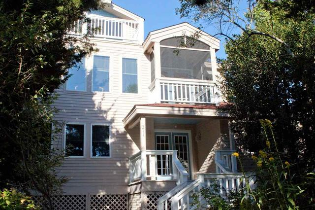 211 Harvard Ave, Cape May Point, NJ 08212