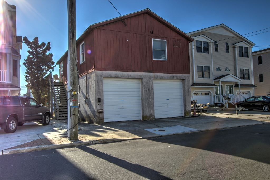 330 43rd Place, Sea Isle City, NJ 08243