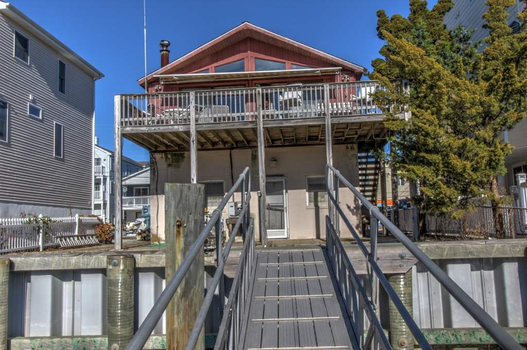 330 43rd Pl, Sea Isle City, NJ 08243