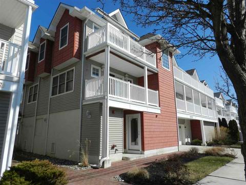 233 E Baker Ave #A, Wildwood, NJ 08260