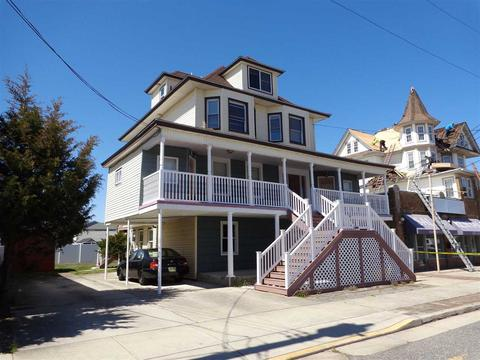 5606 Pacific Ave, Wildwood Crest, NJ 08260