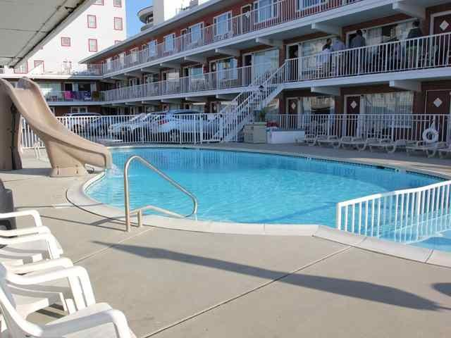 511 E Stockton Rd #111, Wildwood Crest, NJ 08260