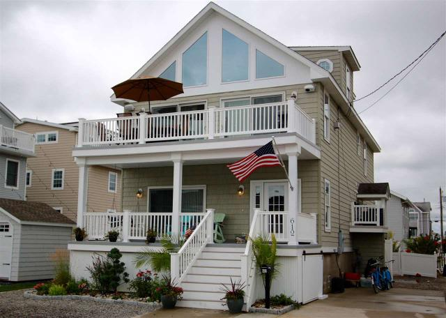 612 21st St, Avalon, NJ 08202