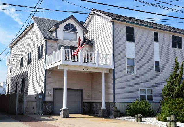 250 E 57th St #EAST, Sea Isle City, NJ 08243