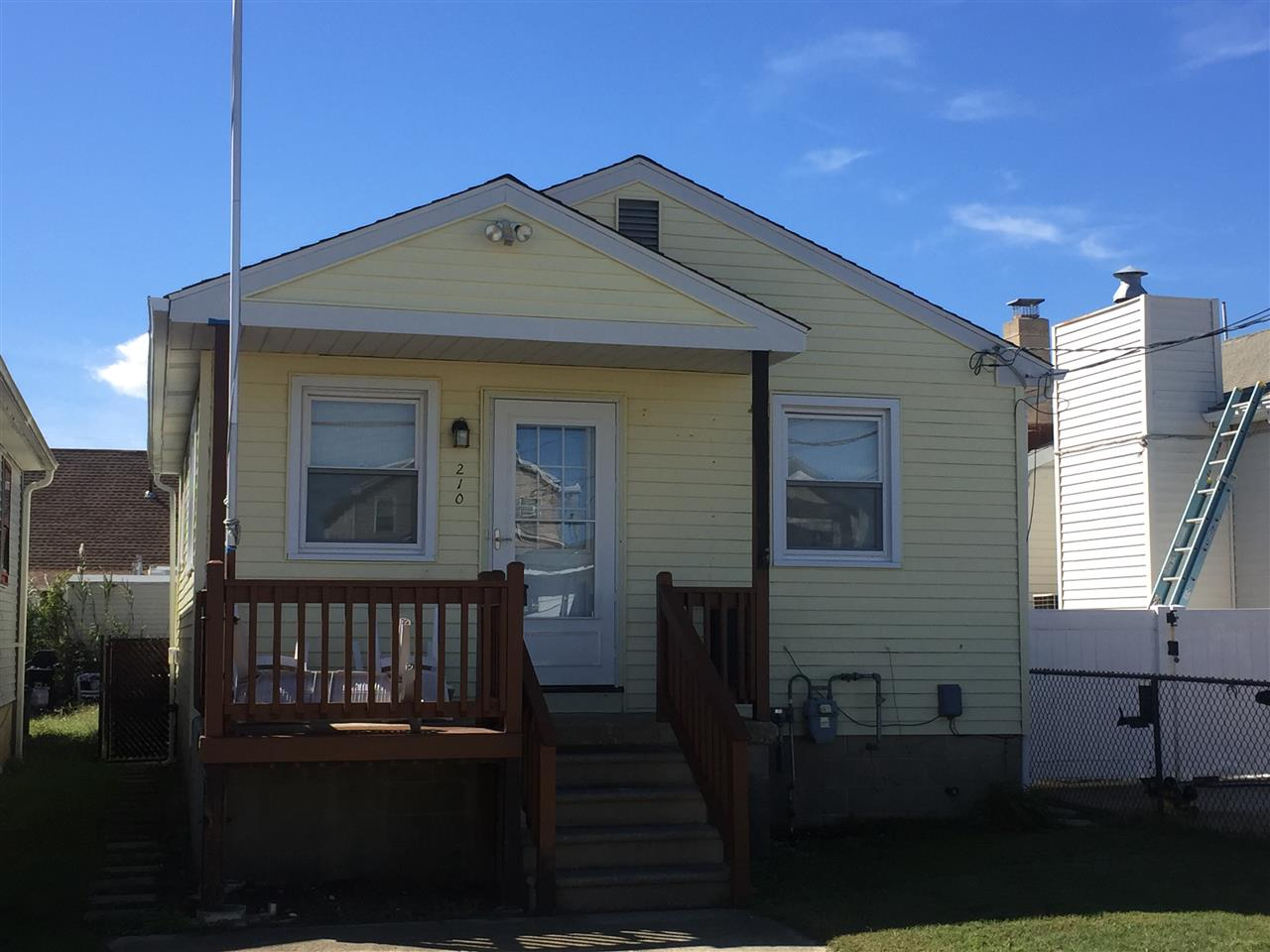210 W Chestnut Ave, North Wildwood, NJ 08260
