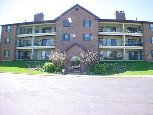 631 Hapsfield Ln #107, Buffalo Grove, IL 60089