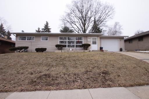 3234 Dartmouth Dr, Rockford, IL