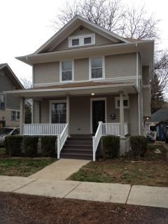 34 N Commonwealth Ave, Elgin, IL 60123