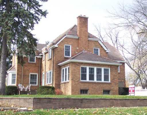502 Ingalton Ave, West Chicago, IL