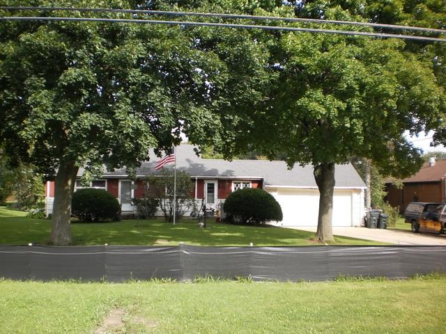 1705 Greenwood Rd, Glenview, IL