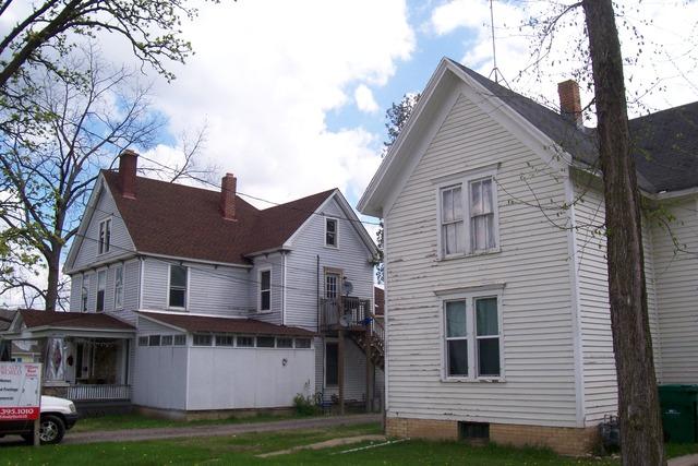 9951001 Main St, Antioch, IL