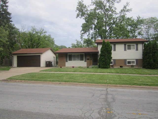 303 Indiana St, Park Forest, IL