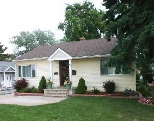 4449 Belmont Rd, Downers Grove, IL
