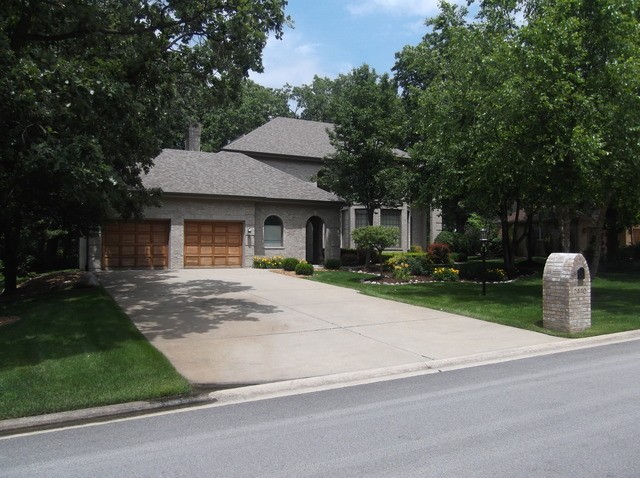 2440 St Andrews Dr, Olympia Fields, IL