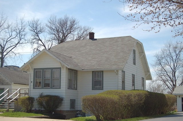 4 N Seminary Ave, Mount Morris, IL
