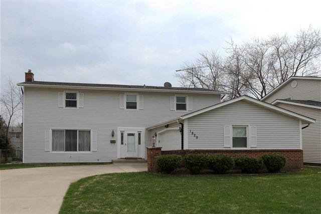 1829 W Willow Ln, Mount Prospect, IL