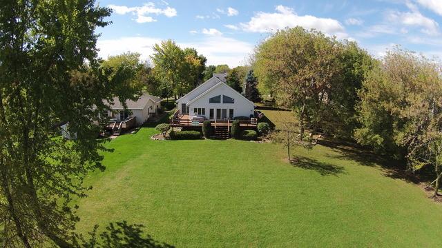 1708 Candlewick Dr, Poplar Grove, IL
