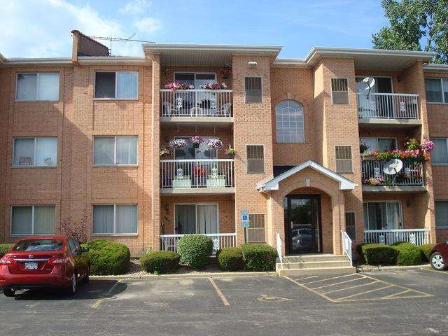 4201 Quinlan Rd #APT 102b, Glenview, IL