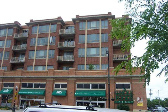 6000 N Cicero Ave #APT 402, Chicago, IL