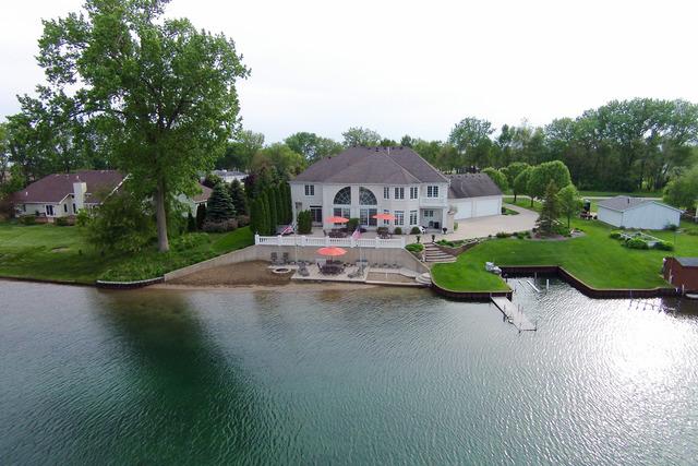 5570 E Bay View Dr, Morris, IL