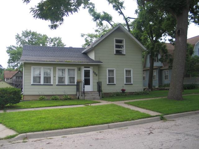 382 Silver St, Elgin, IL