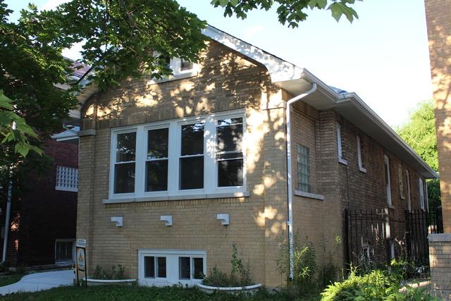 6439 N Washtenaw Ave, Chicago, IL
