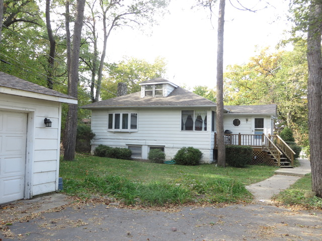 92 Forest Ave, Fox Lake, IL