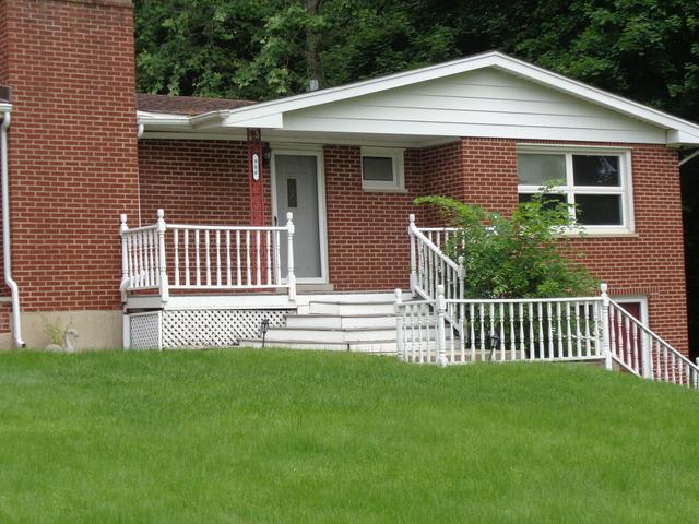 906 N Harrison St, Algonquin, IL