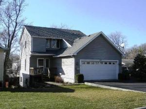 528 Beechwood Dr, Round Lake, IL