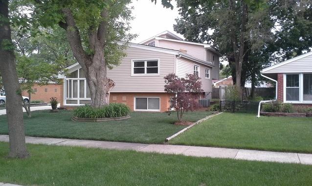 7523 Emerson St, Morton Grove, IL