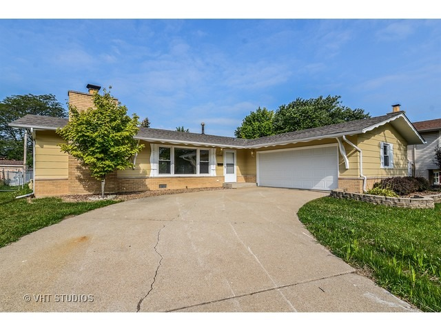 15248 Alameda Ave, Oak Forest, IL