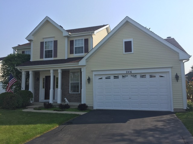 246 Berkshire Ln, Sugar Grove, IL
