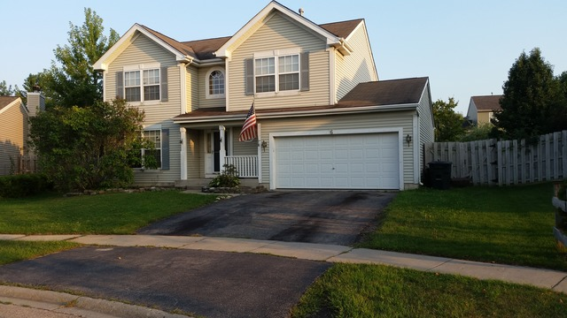 6 Glascow Ct, Lake In The Hills, IL