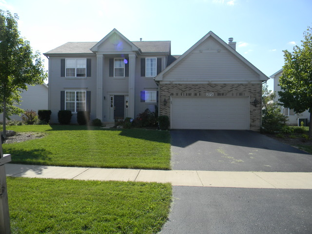 273 Chatsworth Ave, Sugar Grove, IL