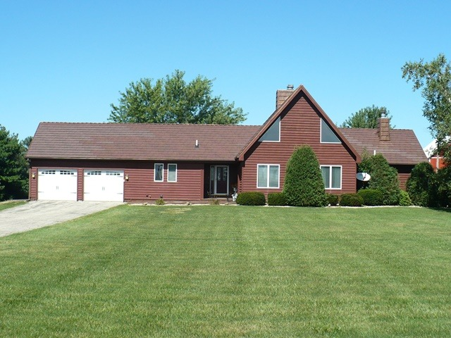 18430 E Twombly Rd, Rochelle, IL