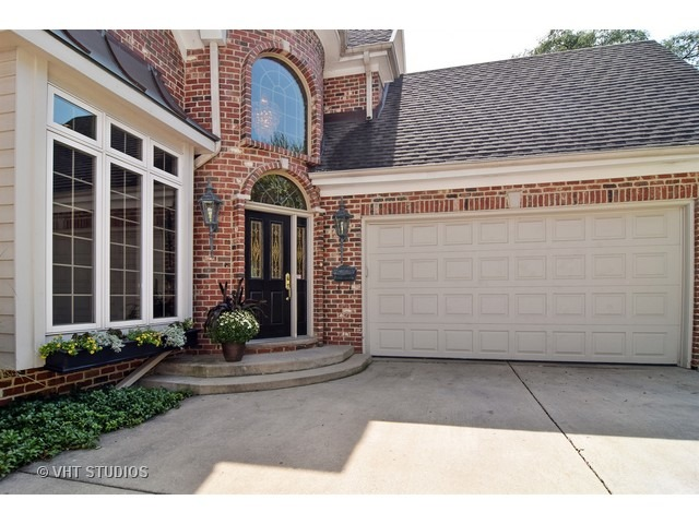 557 N County Line Rd, Hinsdale, IL