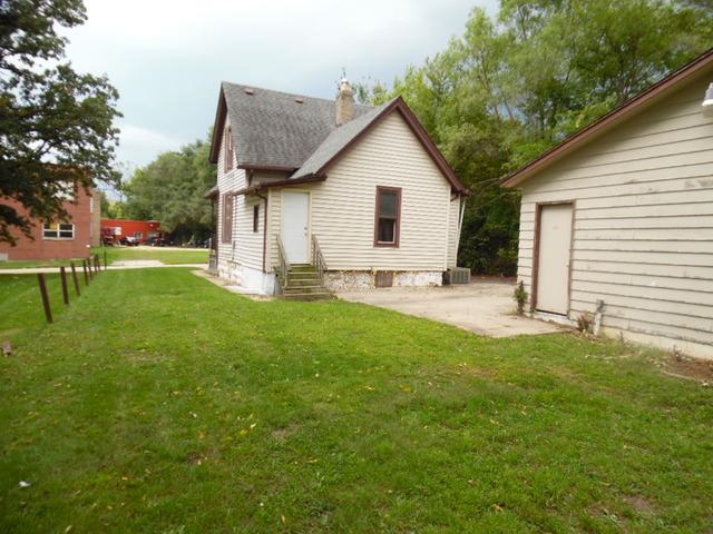 1037 Elm St, Rockford, IL