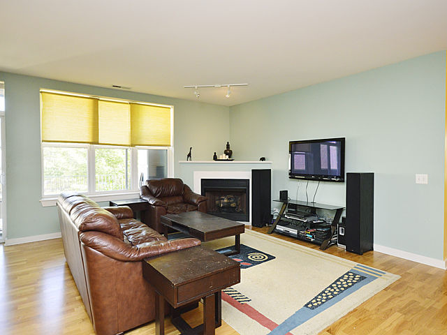 2231 W Maypole Ave #APT 203, Chicago, IL
