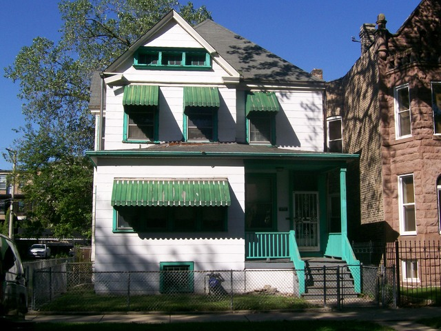 4726 S Champlain Ave, Chicago, IL