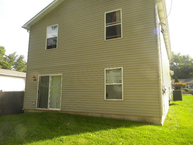 222 Brierhill Dr, Round Lake, IL
